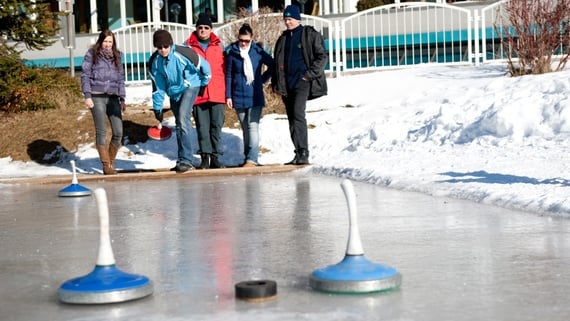 Traditional curling